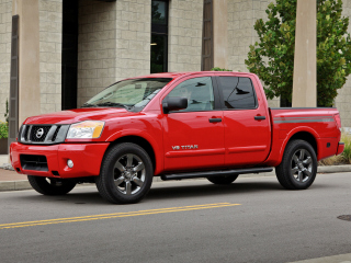 2012 NISSAN Titan 2WD Crew Cab Short Bed SL   